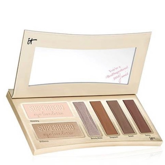 it cosmetics Other - IT Cosmetics Superhero By Day pallette